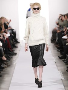 From http://www.oscardelarenta.com/runway/fall-2014/look-11