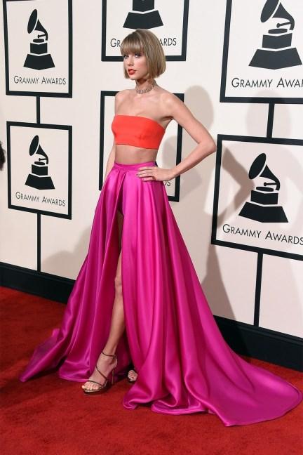 Taylor-Swift-Glamour-15Feb16-Getty_b.jpg