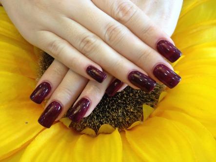 plum-nails